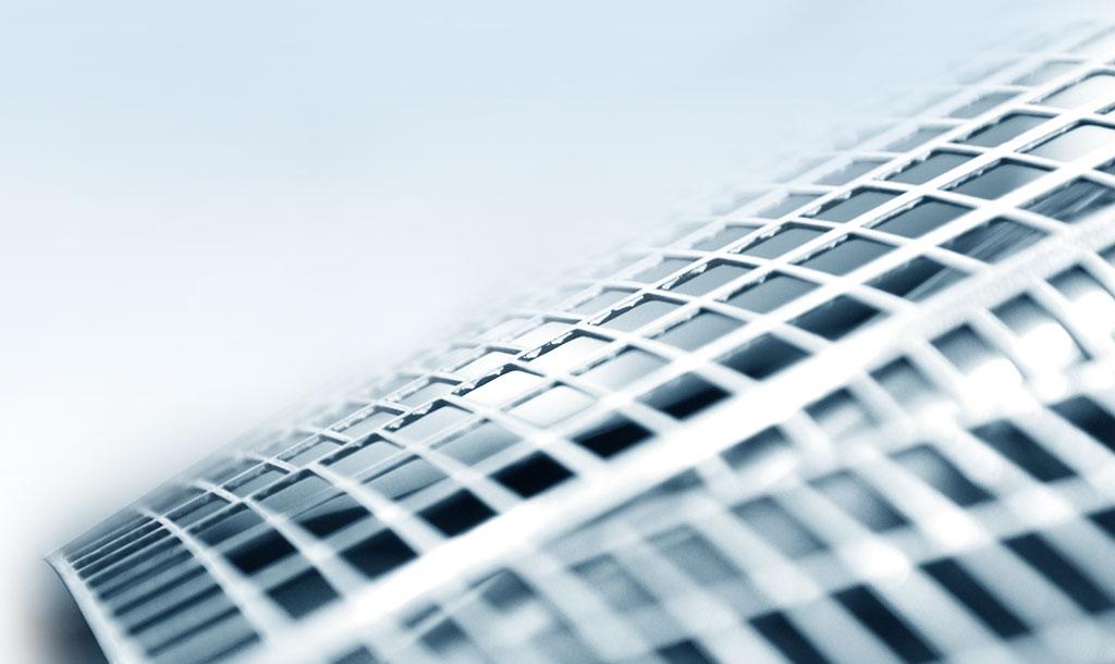 Die PowerFrame-Technologie für positive Batteriegitter ist präzise und innovativ.